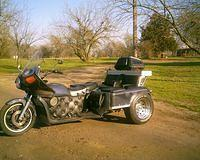 Barry and Mary's GL1000 trike vw engine