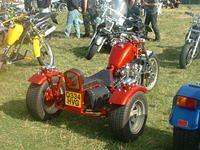 The low lean look I'm striving for in my GL Trike . Now as you can see this is not a GL . But its the idea .